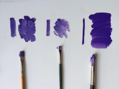 Flat, bright and round brushes.